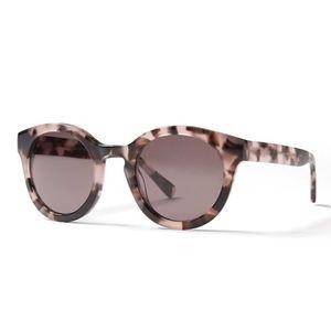 Accessories - Banana Republic sunglasses